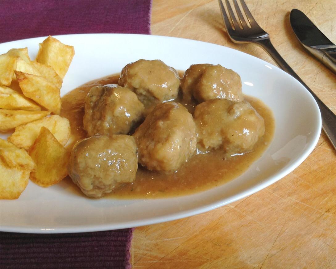 Albóndigas en salsa - El lunes cierro el pico