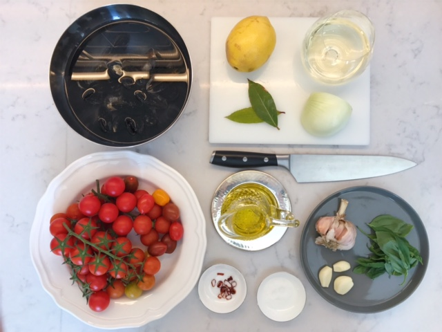 Mejillones la vapor con salsa de tomate